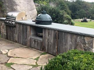 Stone Cooking Terrace with Irregular Bluestone Patio, Bedford, NY, by Prado Stoneworks