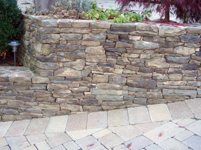 Pennsylvania Bluestone Wall and Paver Driveway, Bedford, NY, by Prado Stoneworks