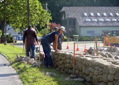 Building the Hunting Ridge Mall Stone Wall in Bedford, NY - July 2021